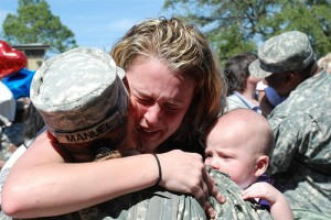 army-national-guardsman-reunites-with-family