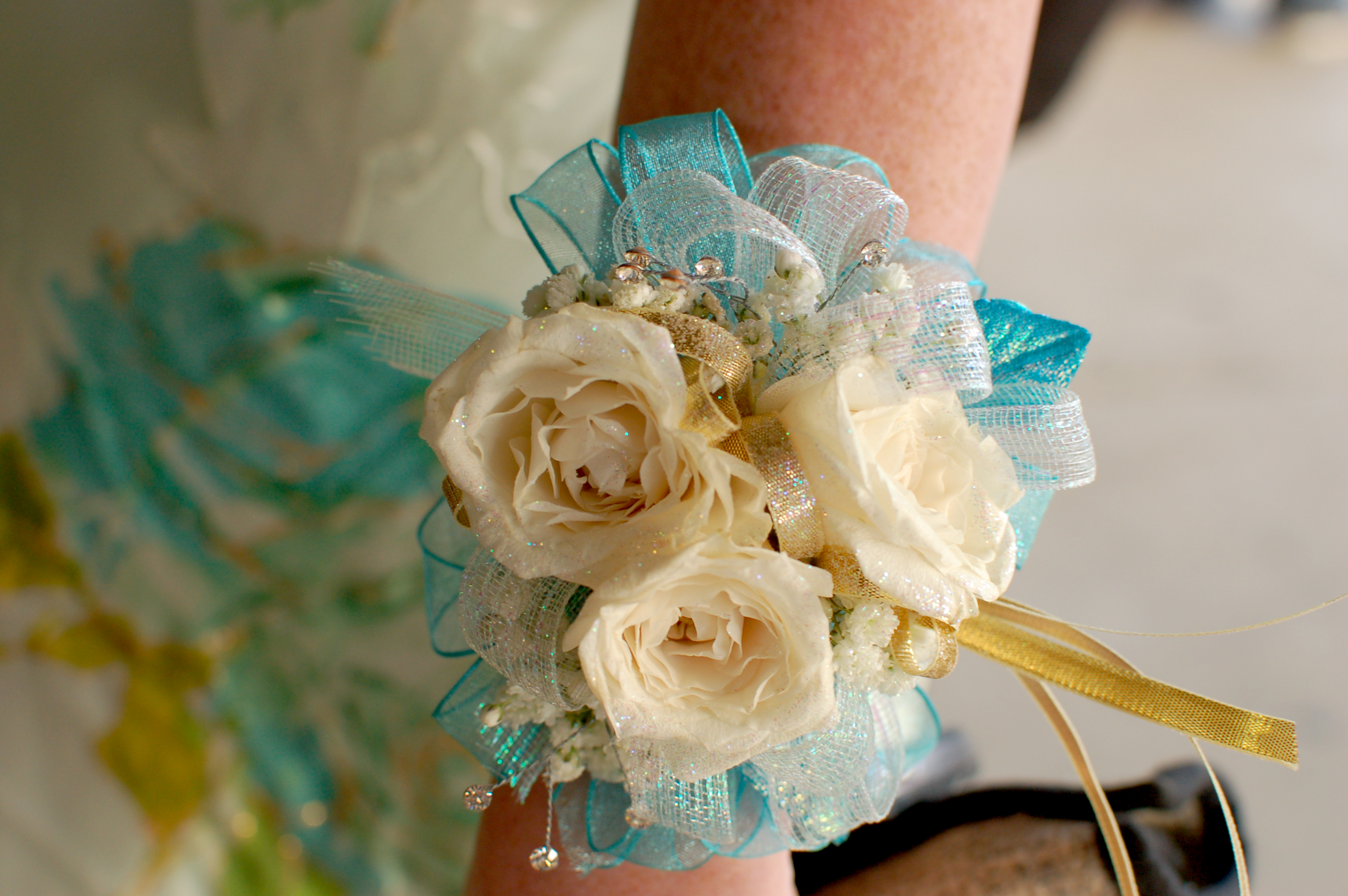 Cream teal prom corsage izmirmasajfo Gallery
