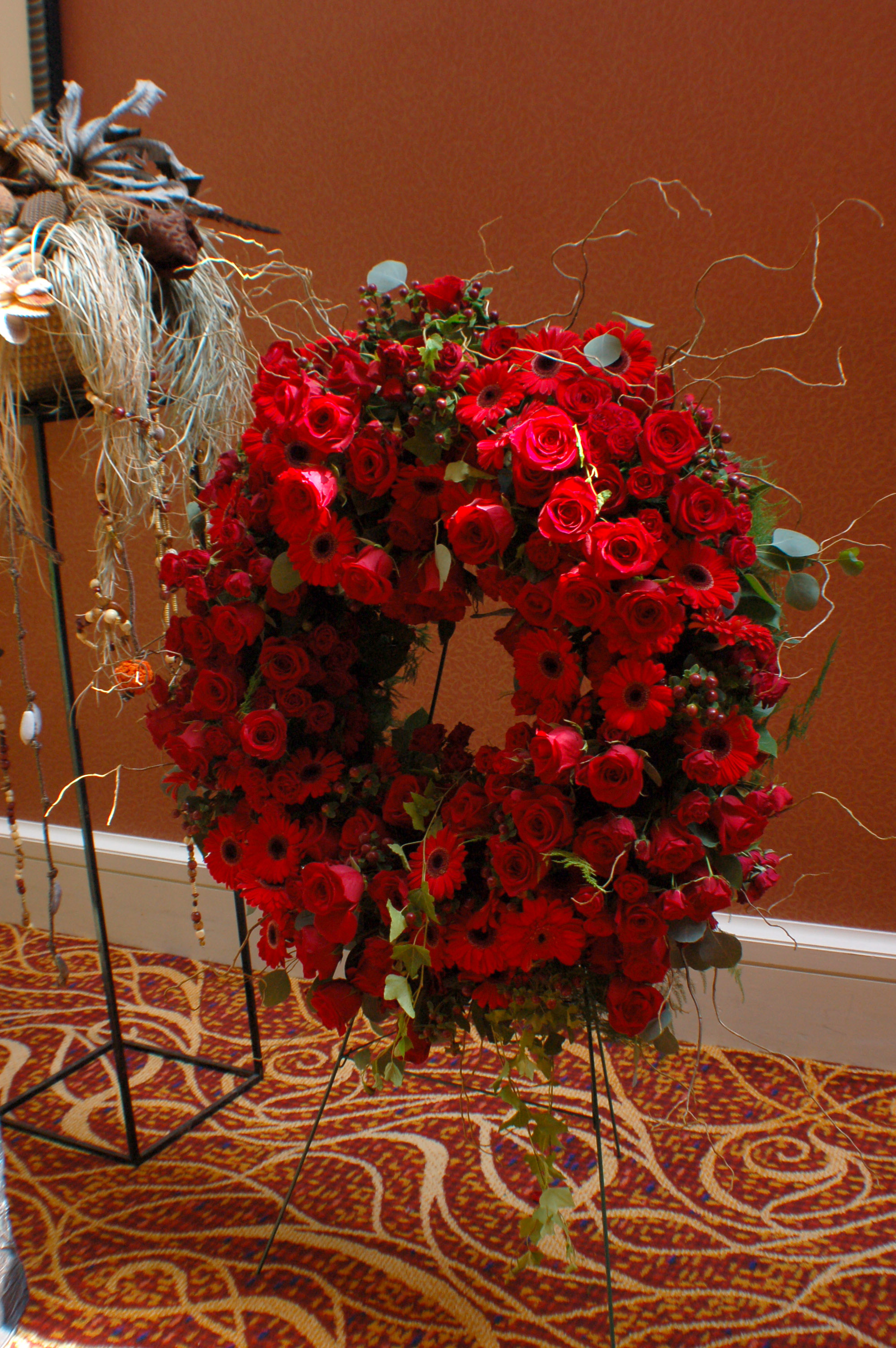 Red flower funeral wreath izmirmasajfo