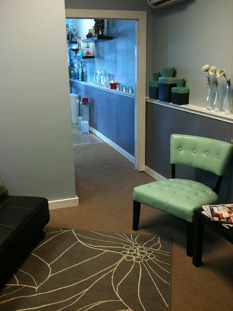 The modern flower shop bay bouquet for Designs east florist interior