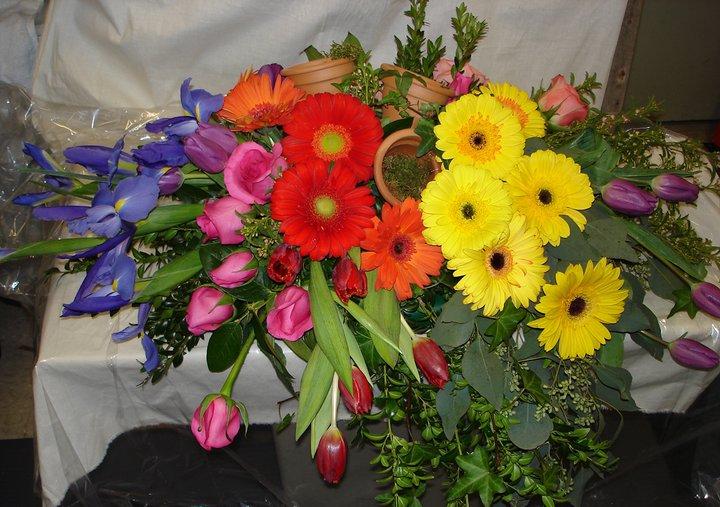 Creative Custom Funeral Flower Trends