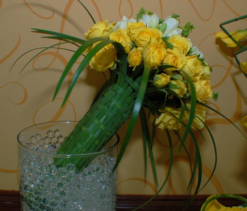 Woven Natural Bouquet Holder