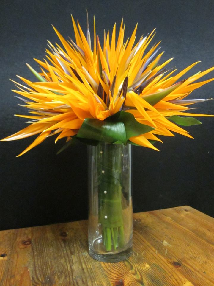 Here is a very interesting spin on fall wedding bouquets by Greenhouse
