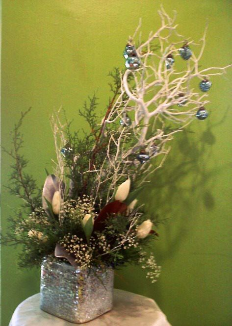Out-Of-The-Box Unique Christmas Floral Design