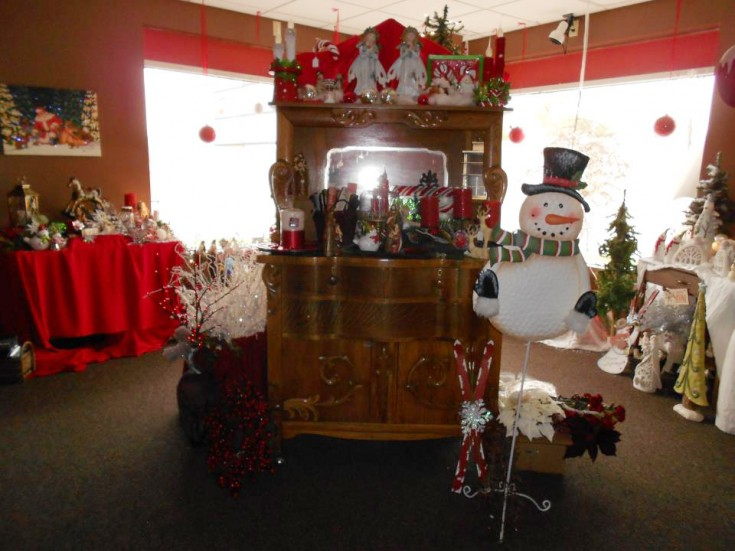 Beautiful dresser and holiday decor