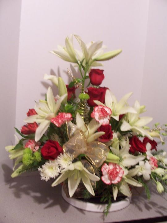 Lily & Rose Holiday Arrangement
