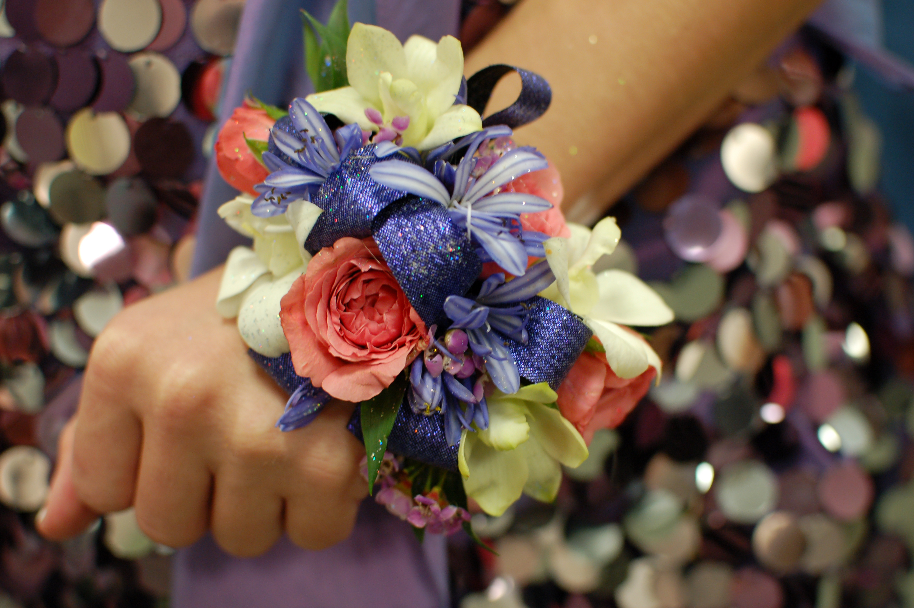 Flower Corsage & Prom Time! What Is Your Prom Style? 25forcollege.com