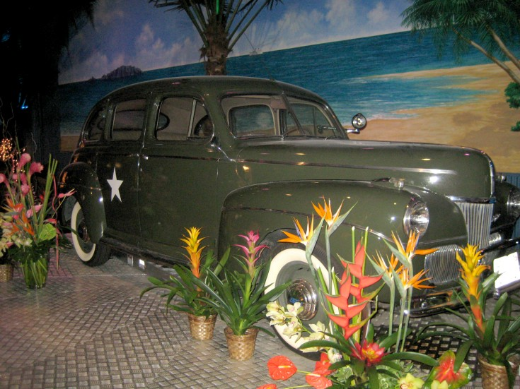 TSFA Vintage Car With Flowers