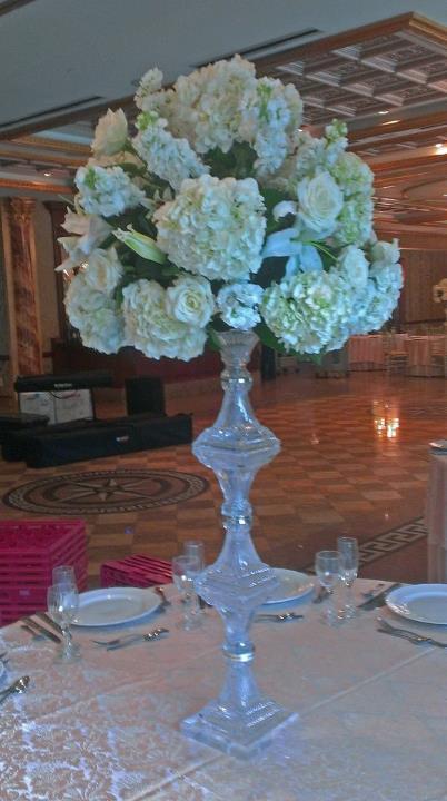 Wedding Reception Flowers by Crossroads Florist, Mahwah NJ