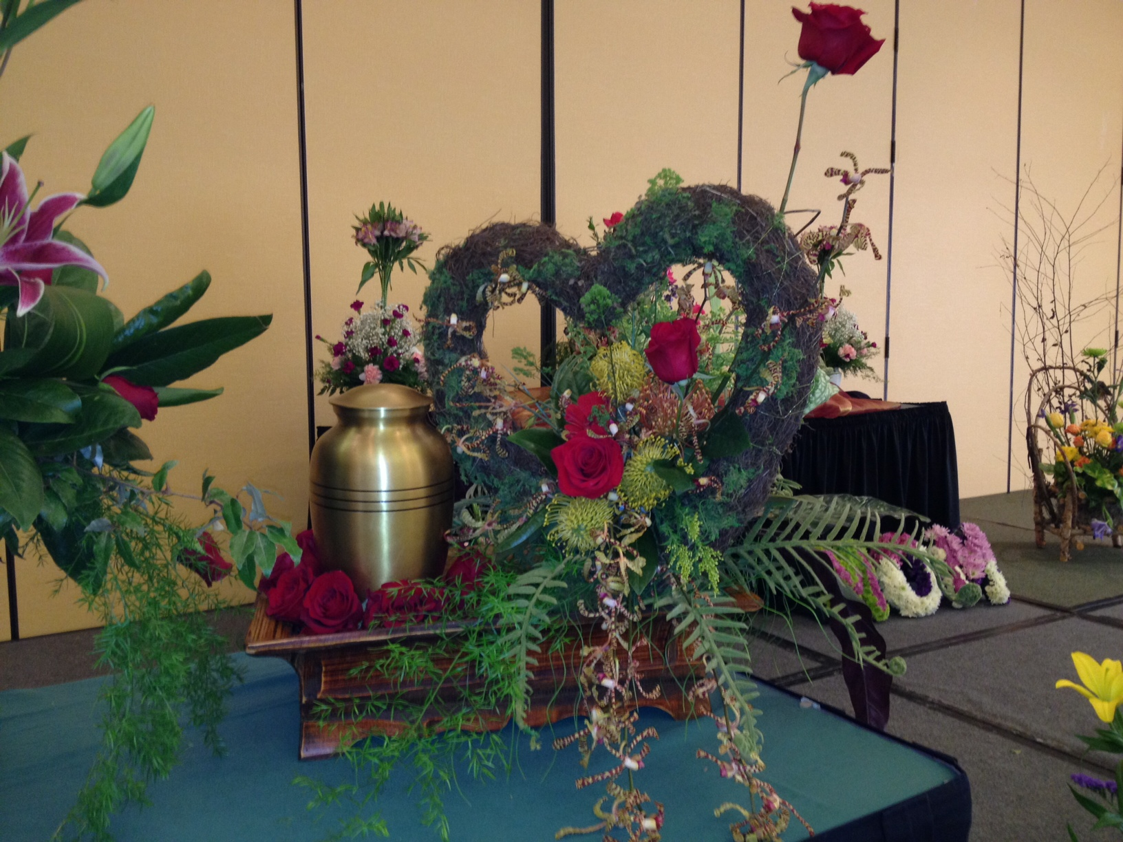 South carolina florist association convention 2012 funeral tribute flowers izmirmasajfo Choice Image