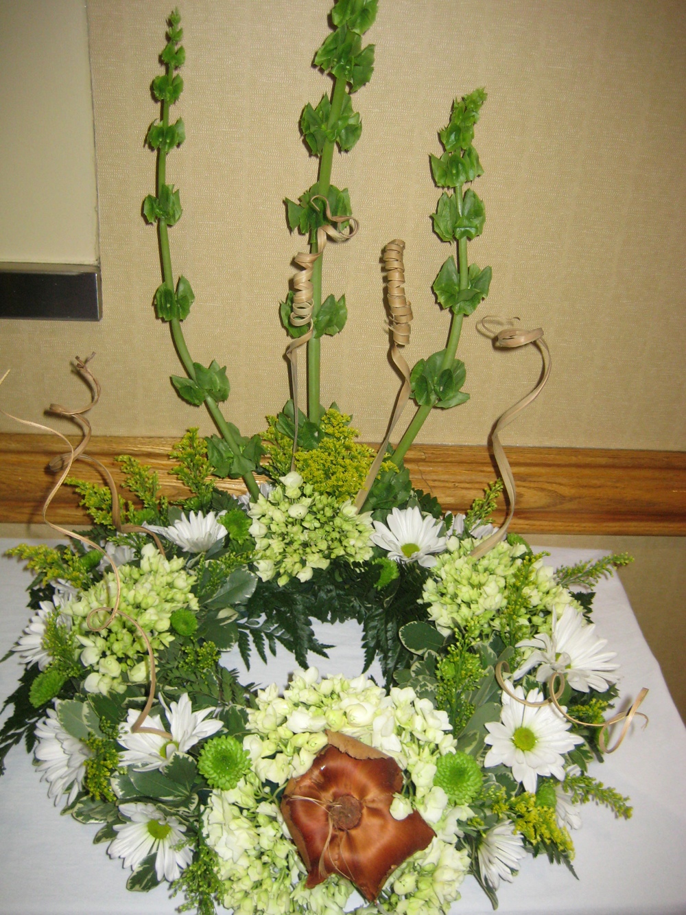 Pictures from the north carolina state florist association funeral flower arrangement at the north carolina state florist convention izmirmasajfo
