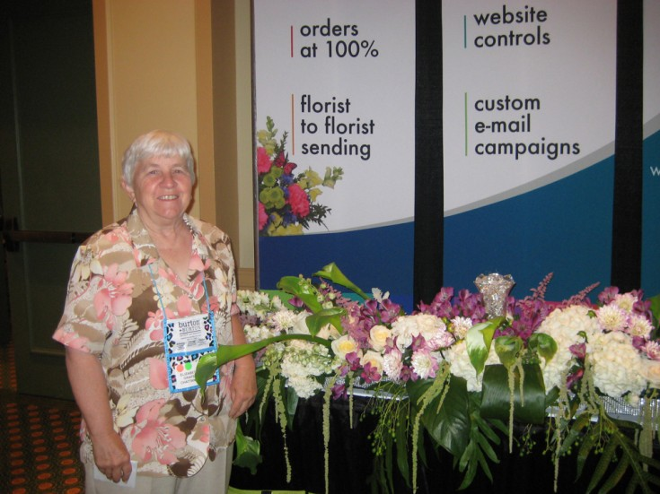 Betsy Grafe of Grafe Studios in Chattanooga TN Designed the Flower Shop Network Booth Flowers