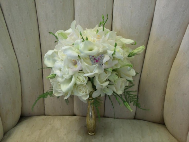 White wedding bouquet by MaryJane's Flowers & Gifts, Berlin NJ
