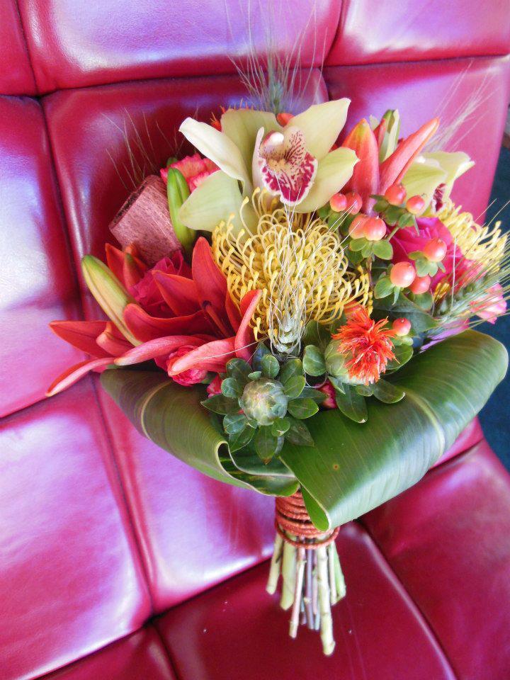 Fall wedding flowers by Back to the Fuchsia, Saugatuck MI