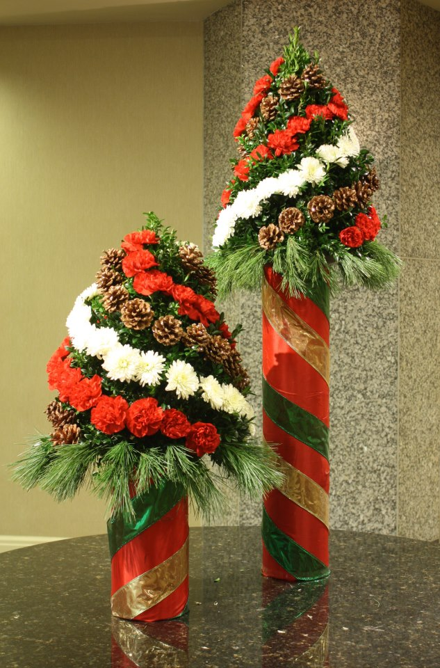 Christmas flower displays by Crossroads Florist, Mahwah NJ