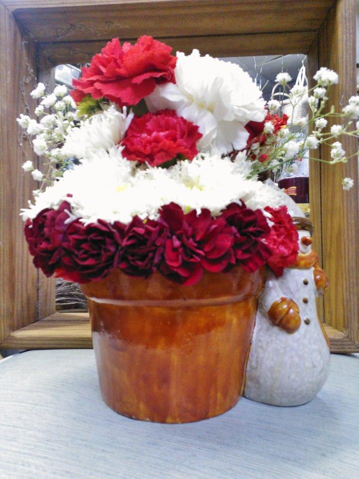 Holiday arrangement by Wilmas Flowers, Jasper AL