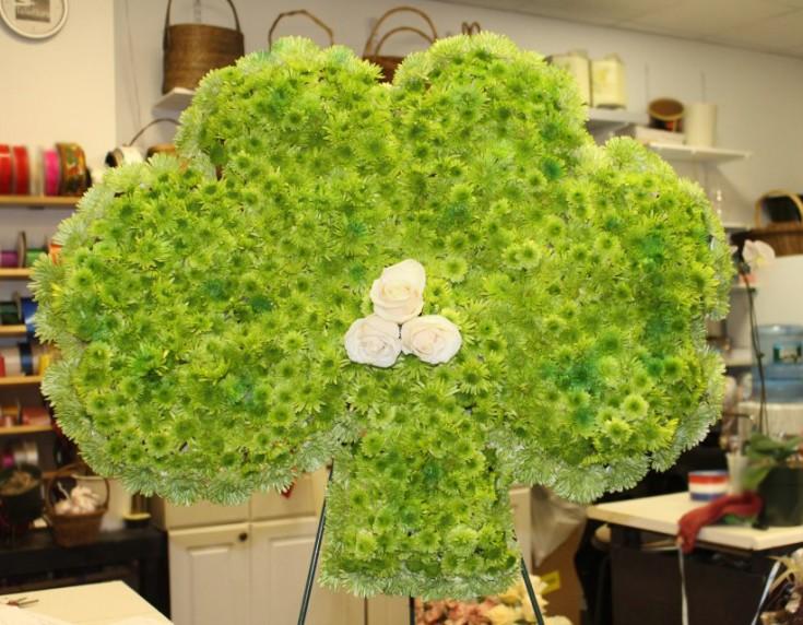 Custom-made clover sympathy tribute by E & E Flowers, Edison NJ