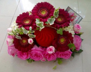Red flower design by Flower Palette, Abu Dhabi