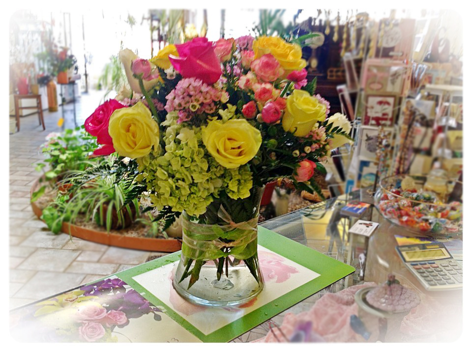 Mixed arrangement by Sun Valley Florist, Ramona CA