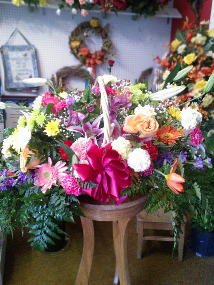 Flower basket by Wilma's Flowers, Jasper AL