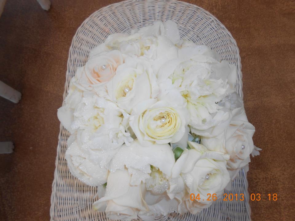 All-white bouquet by Dinsmore Florist INC., Pensacola FL