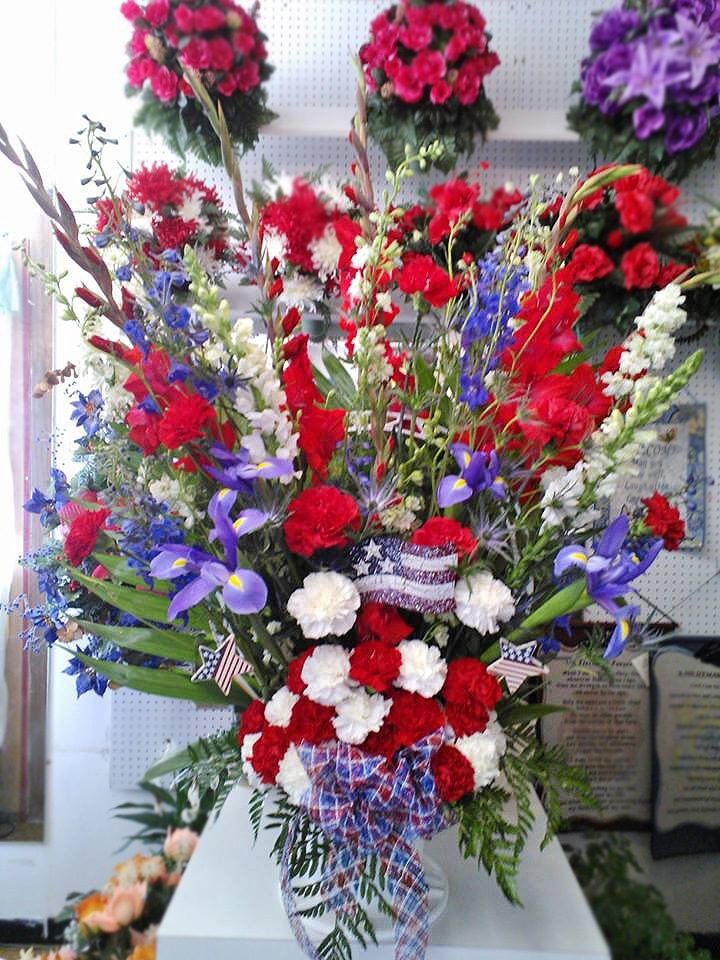 Memorial Day flowers by Wilma's Flowers, Jasper AL