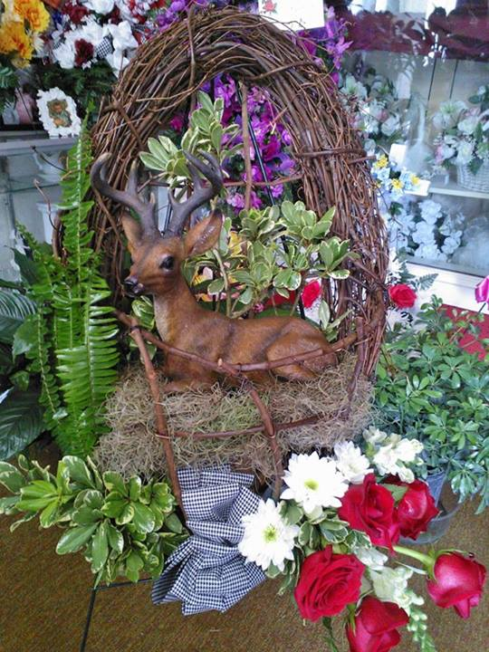 Natural sympathy tribute by Wilma's Flowers, Jasper AL