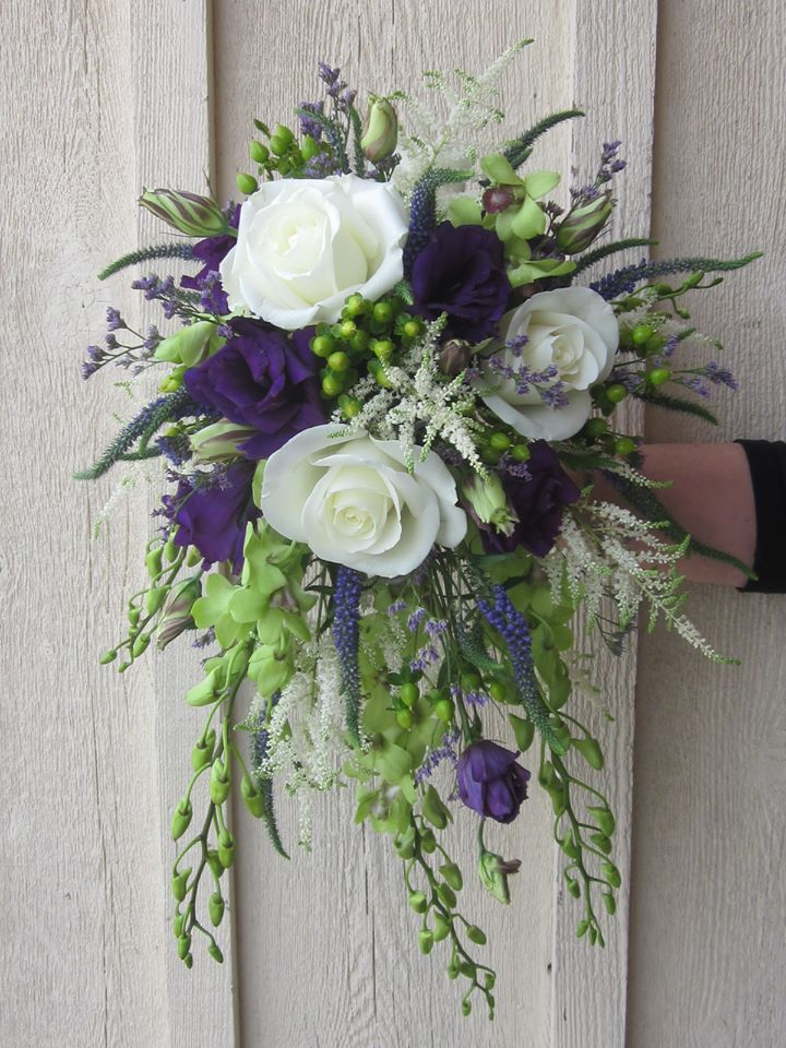 Classic Teardrop Bouquet by Mary's Flowers