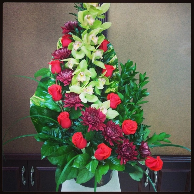 Amazing arrangment from Fancy Flowers in Hialeah, FL