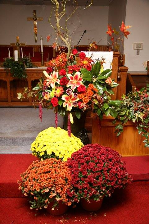 Alter flowers by Forget Me Not Flowers, Cottonwood ID