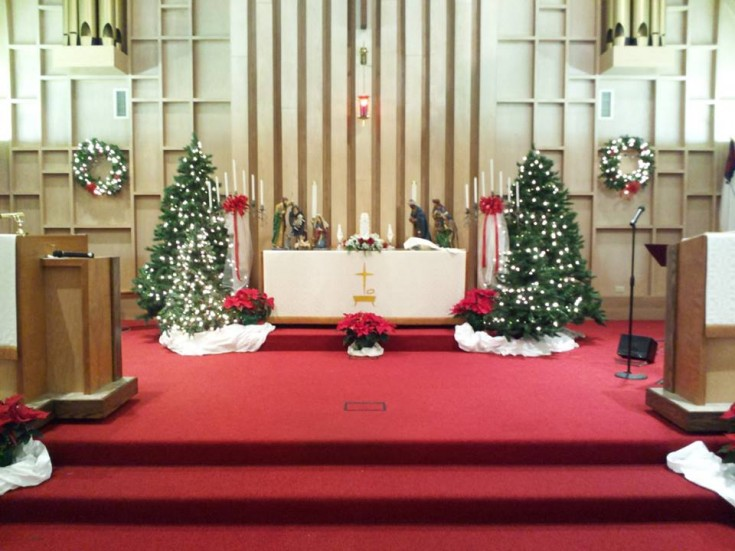 Beautiful altar decorations from Com-Patt-ibles Floral Elegance in Wooster, OH