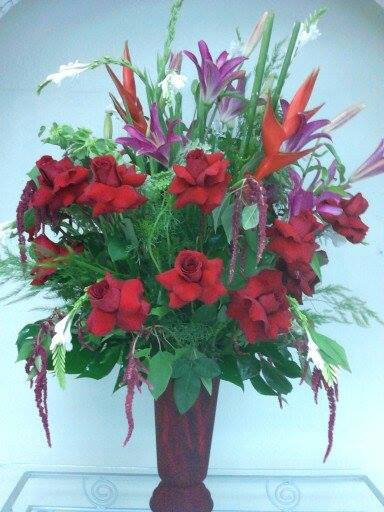 Feeling the Valentine's spirit with Divine Ideas and Flowers for You in Edinburg, TX