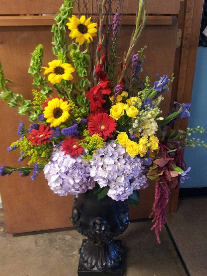Gorgeous arrangment from Forget-Me-Not Flowers and Gifts in Chandler, TX
