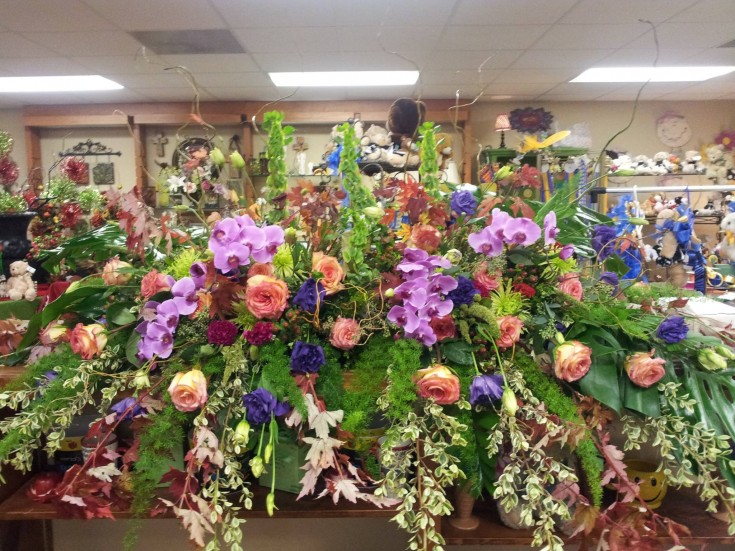 A gorgeous casket spray from Forget-Me-Not Flowers and Gifts in Chandler, TX