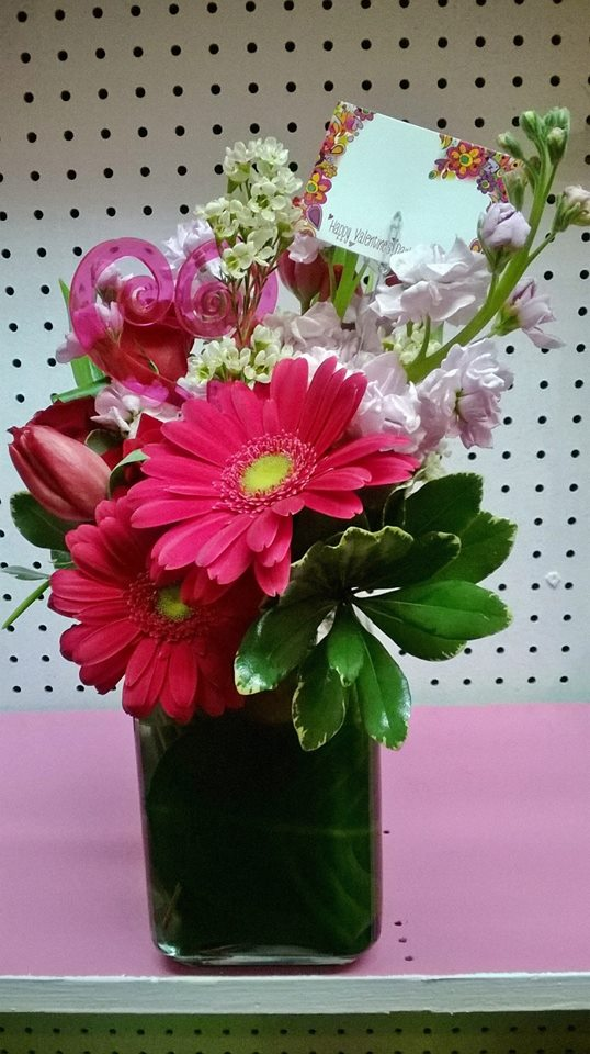 Another lovely arrangement from Wilma's Flowers in Jasper, AL