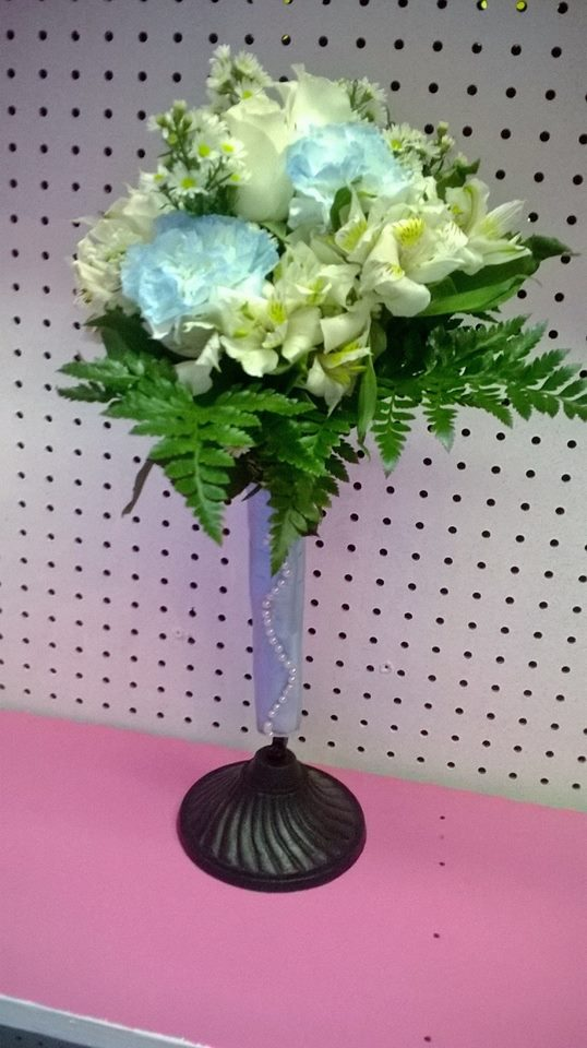 Gorgeous hand-held bouquet from Wilma's Flowers in Jasper, AL