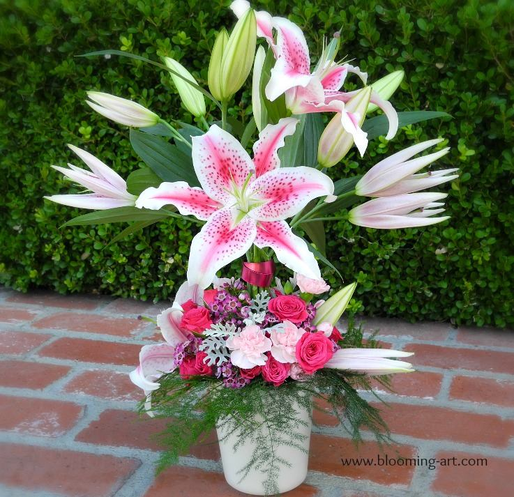 Valentine's Day gift for a Stargazer lily lover from Blooming Art Floral Design in San Diego, CA
