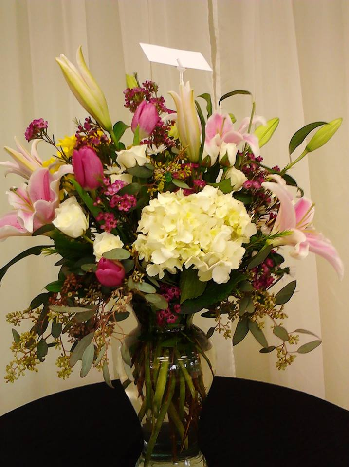 Beautiful mixed arrangement from Divine Ideas and Flowers For You in Edinburg, TX