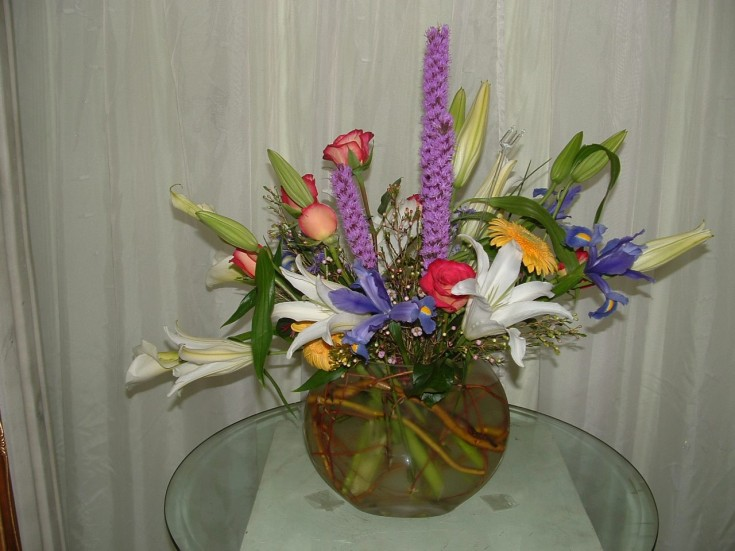 Lovely spring flowers from Divine Ideas and Flowers for You in Edinburg, TX