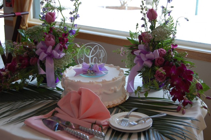 Lovely wedding arrangments from Fantasy Floral Designs in Schenectady, NY
