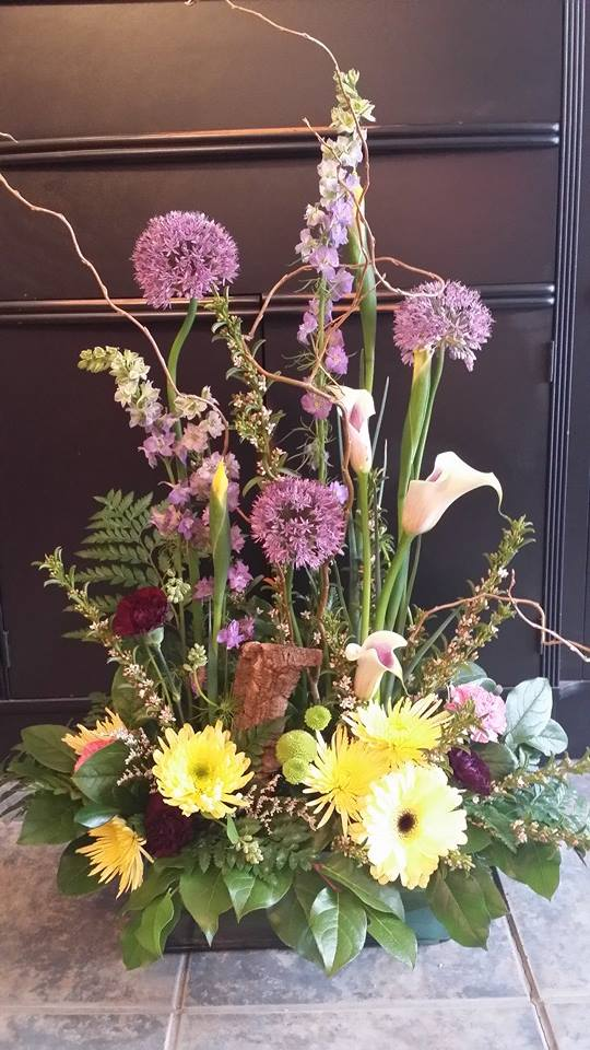 A lovely arrangement from BlueShores Flowers & Gifts in Wasaga Beach, ON