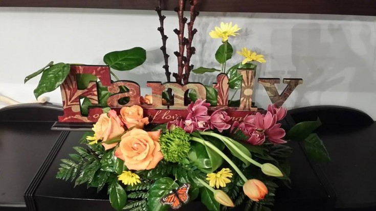 Family flowers from BlueShores Flowers & Gifts in Wasaga Beach, ON