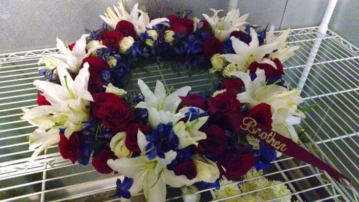 Sympathy wreath for a cremation service from Mabel Flowers in Mabel, MN
