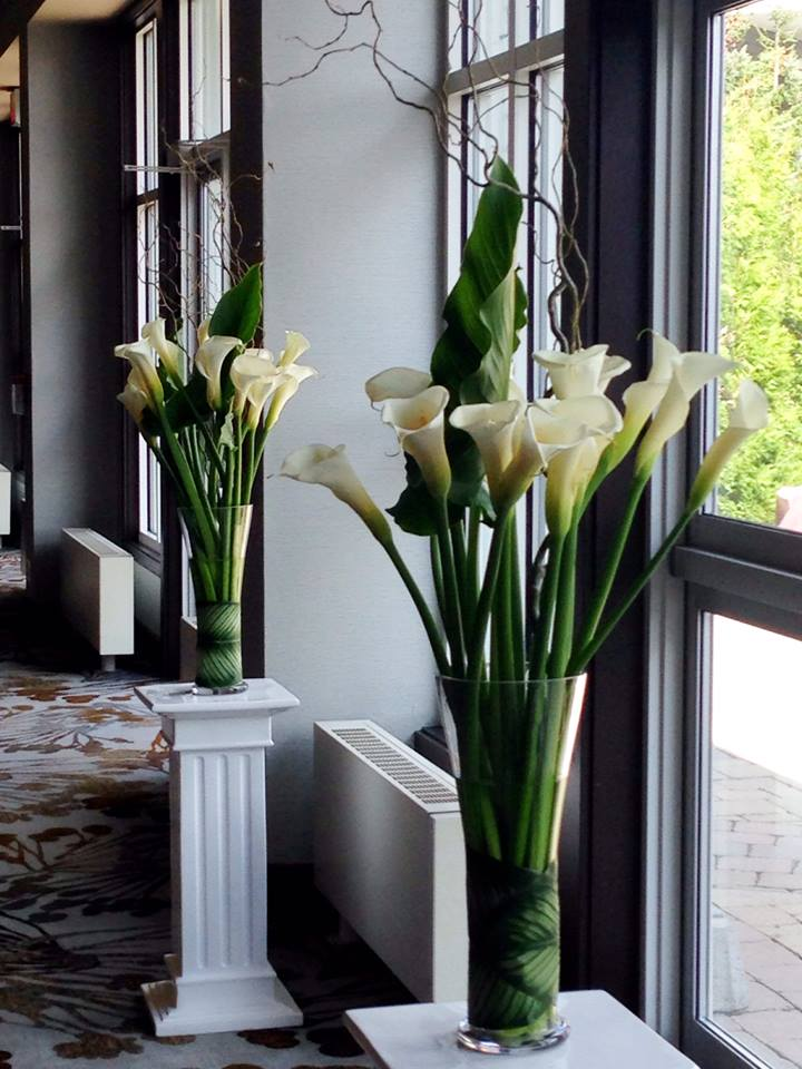 Wedding flowers from Petals in Thyme of Wasaga Beach, ON