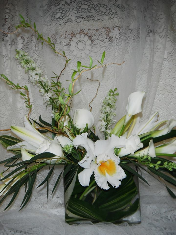 50th Wedding Anniversary Centerpiece By Crow River Floral And Gifts In
