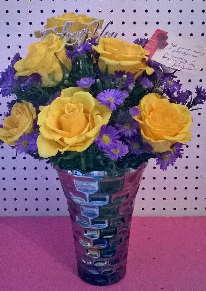 Excellent arrangement from Wilma's Flowers in Jasper, AL
