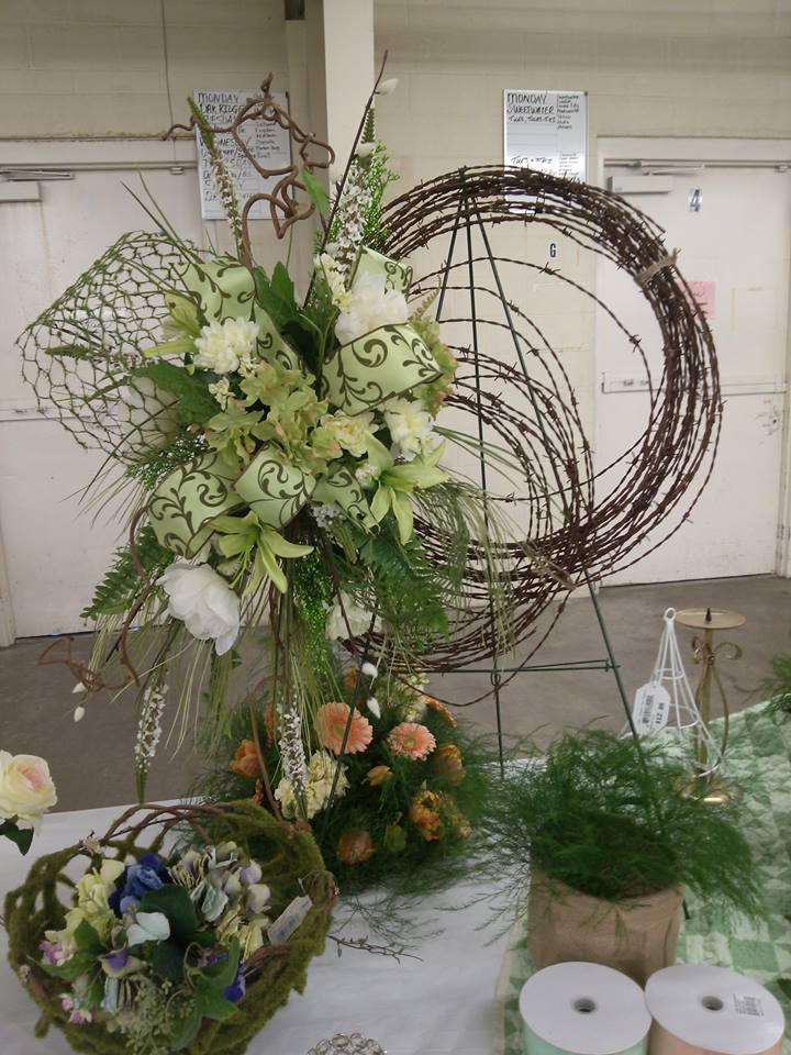 Using barbed wire instead of grapevine at Oran's Flower Shop in Kingston, TN