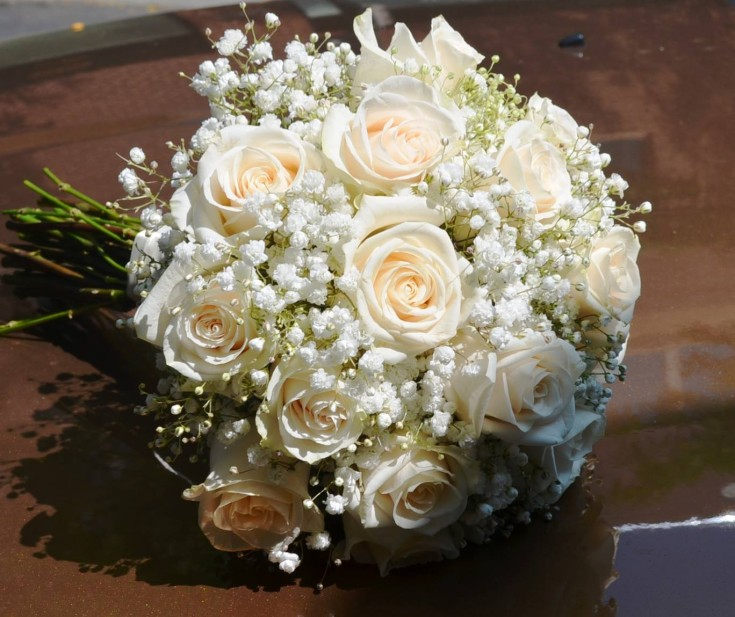 A simple but classic wedding bouquet from Monday Morning Flower and Balloon Co. in Princeton, NJ