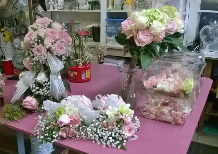 Bouquets, corsages, cake flowers and flower girl petals from Wilma's Flower in Jasper, AL