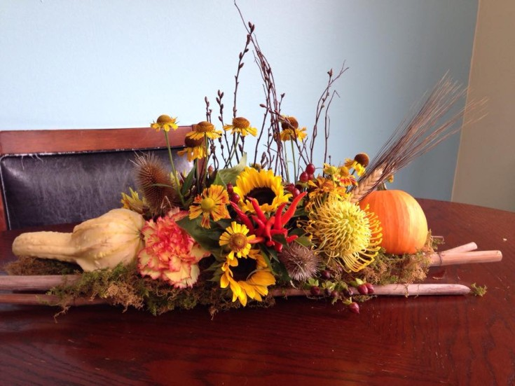 Elegant fall table design from Petals in Thyme of Wasaga Beach, ON